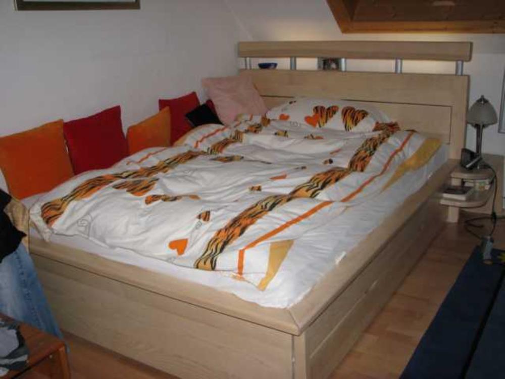 Designer schlafzimmer betten for Ikea xl schaukelstuhl sessel sofa birke massivholz lillberg