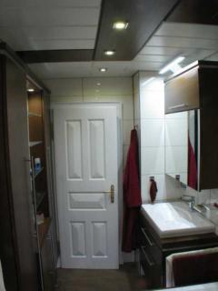 Wohnbereich m nchen f rstenried wohnzimmer schlafzimmer for Waschtischunterschrank birke